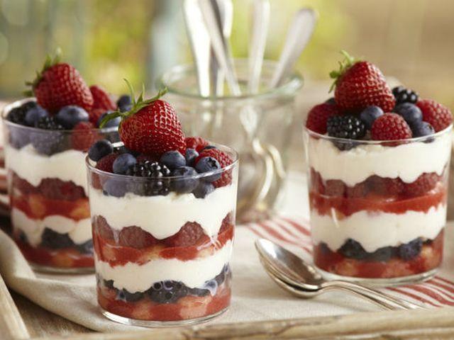 Лято, плодове и здравословна закуска – 2 рецепти за самостоятелни деца