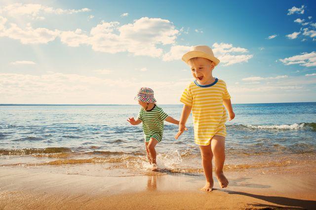 На море или при баба? Експерти за това трябва ли да водите детето на море
