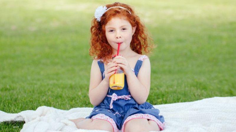 С какво да утолите жаждата на детето през лятото – полезни и вредни напитки
